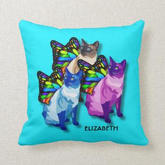 Almofada Três gatos psicadélicos com asas da borboleta