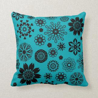 Almofada Turquoise blue cushion with rosace flowers