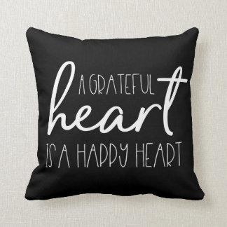 Almofada Um coração grato, é um coração feliz - tipo