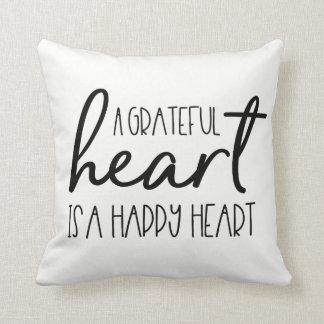 Almofada Um coração grato, é um roteiro feliz do coração