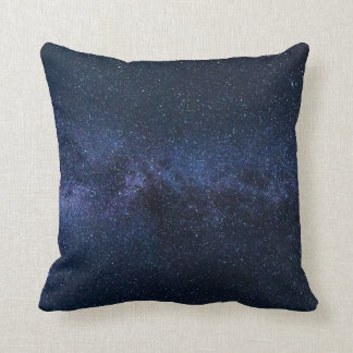 Almofada Via Láctea azul do céu nocturno das estrelas &