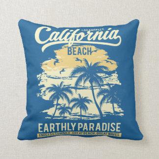 Almofada Vida na praia infinita de Califórnia do verão do