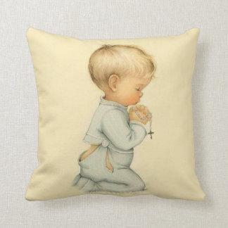 Almofada Vintage Little Boy que praying o rosário