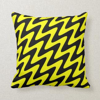 Almofada Ziguezague ondulado preto e amarelo