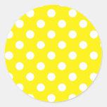 Amarelo com bolinhas brancas adesivo em formato redondo