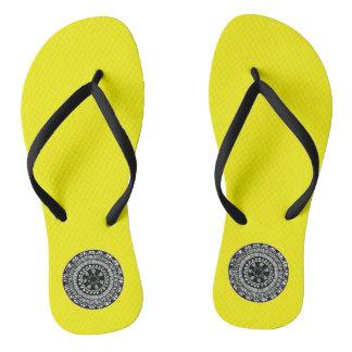 Amarelo inspirado Henna dos chinelos do design do