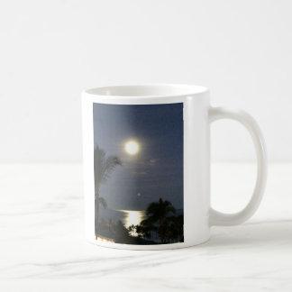 Ame-o à lua e à parte traseira caneca de café