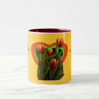 Ame-o mamã - tulipas o MUSEU Zazzle Canecas