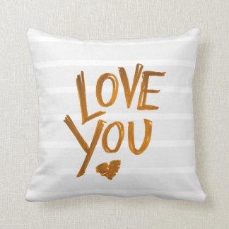 Ame-o travesseiro do coração com listras almofada