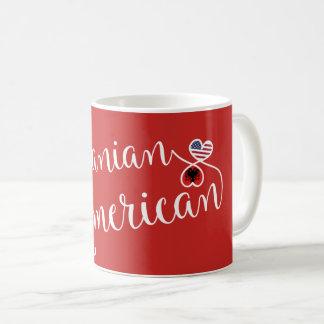 Americano albanês caneca entrelaçada dos corações