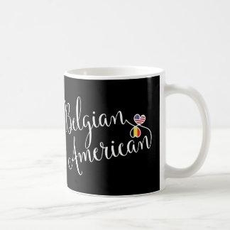 Americano belga caneca entrelaçada dos corações