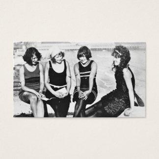 Amigos rujindo dos anos 20 no cais cartão de visitas