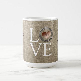 Amor-Com este anel por Shirley Taylor Caneca De Café
