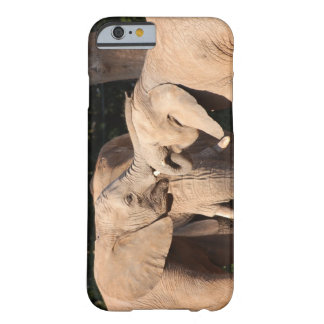Amor do elefante capa barely there para iPhone 6