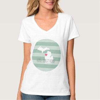 Amor do estado de origem do mapa de Michigan com T-shirts