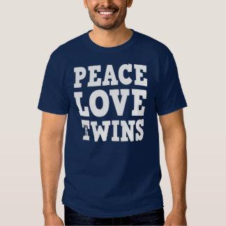Amor e gêmeos da paz t-shirts