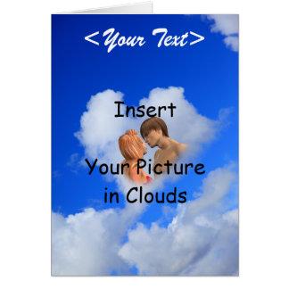 Amor em nuvens do coração, moldura para retrato fe cartao
