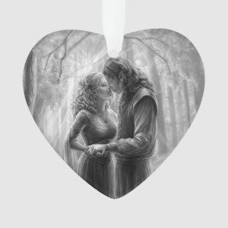 Amor no ornamento dado forma coração das madeiras