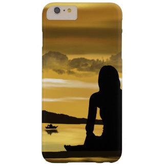 Amor, por do sol romântico na praia capa barely there para iPhone 6 plus