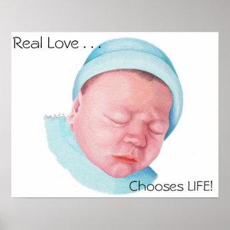 Amor real por recém-nascido pôster