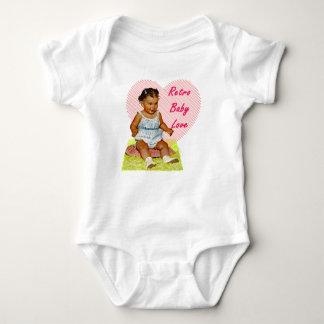 Amor retro do bebê uma camiseta da parte para os