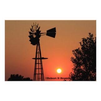 Ampliação dourada da foto do moinho de vento do