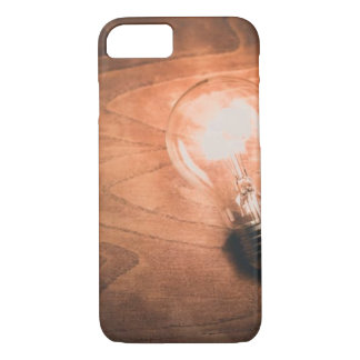 Ampola de madeira da grão - capas de iphone