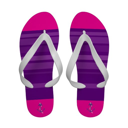 Âncoras roxas e listras roxas sandálias de dedo
