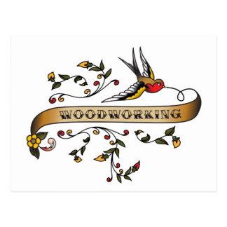 Andorinha e rolo com Woodworking Cartão Postal