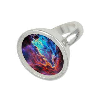 Anéis Com Foto Nebulosa composta da estrela da cor imponente