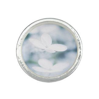 Anéis Com Fotos Flores brancas bonitas
