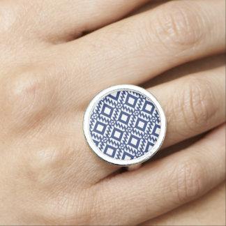 Anéis Com Imagem Geométrico azul e branco tribal