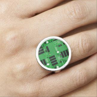 Anéis Com Imagens O conselho de circuito verde