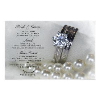 Aneis de diamante e pérolas brancas que Wedding Papelaria