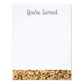 Anéis do cereal de pequeno almoço convite