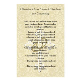 Anéis dourados com cruz, amor cristão elegante modelo de panfleto