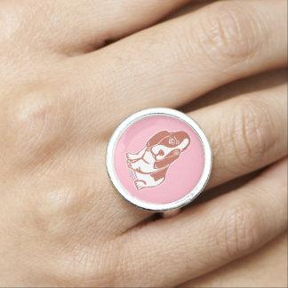 Anel cor-de-rosa de Basset Hound