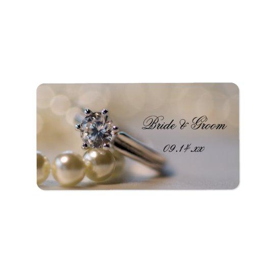 Anel de diamante e pérolas que Wedding Tag do Etiqueta De Endereço