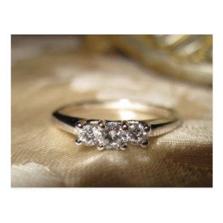 anel três de pedra no ouro branco cartão postal