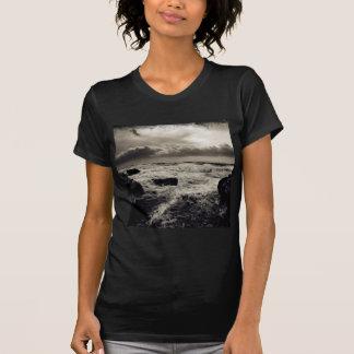 Angra do mar dos invernos da água camiseta