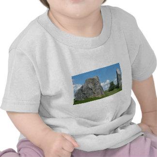 Angra em Avebury T-shirt