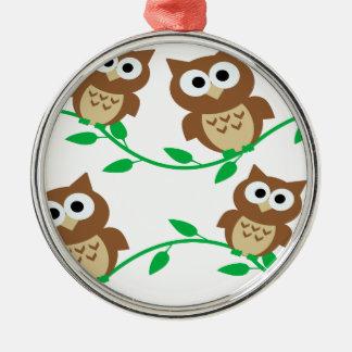 animal bonito dos desenhos animados das corujas da ornamento redondo cor prata