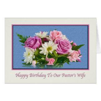 Aniversário, a esposa do pastor, flores, pássaros cartão comemorativo