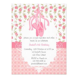 Aniversário cor-de-rosa floral feminino lunático d convite personalizados