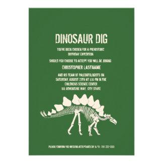 Aniversário da escavação do dinossauro convites personalizados