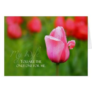 Aniversário da esposa com tulipa cor-de-rosa cartão comemorativo