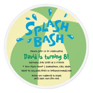 Aniversário da festa na piscina do respingo do ver convites personalizado