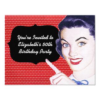 aniversário da mulher apontando dos anos 50 convite