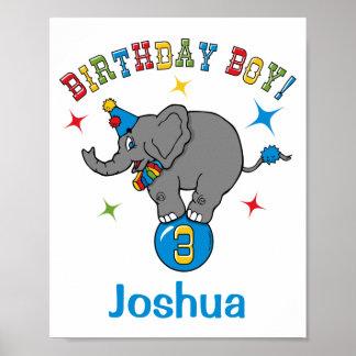 Aniversário de 3 anos do elefante do circo posters