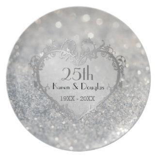 Aniversário de casamento do coração de prata da prato de festa